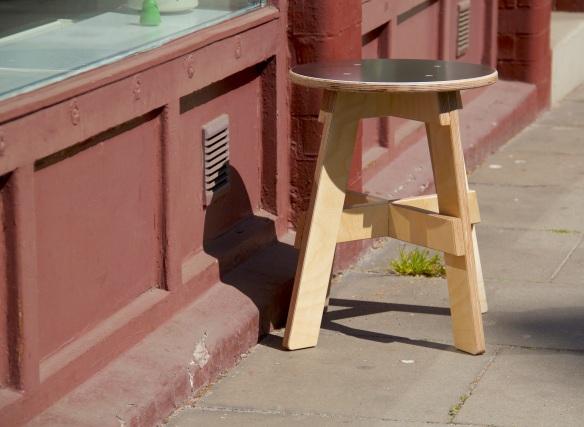 Simple stool